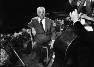 Hitchcock supervise les enregistrements
